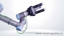 3-finger-gripper-for-universal-robots-cobots-live